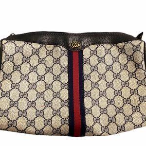 Vintage Gucci GG clutch